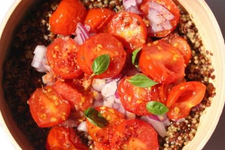 Salade végétarienne aux 2 quinoas